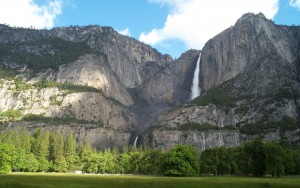 Yosemite-Falls-Yosemite-National-Park-in-California